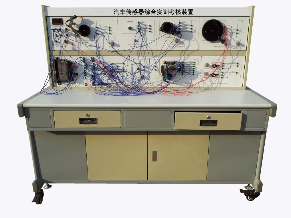 学员可直观对照电路图对接传感器,认识和分析汽车传感器系统的工作